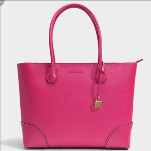Micheal Kors Tote - Gorgeous Pink Color!